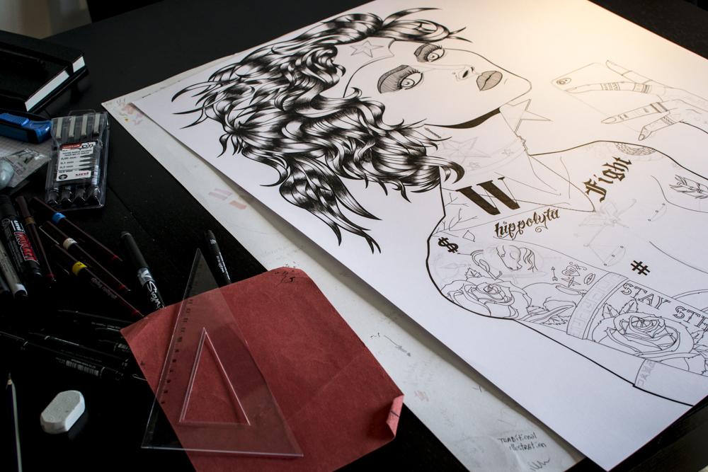 Wonder Woman fan art - Le derrière de la guerrière - Processus créatif 01 - Illustration : Jean-Baptiste MUS Illustrateur Toulon - Dimensions : 50x65 cm - Support : Papier Bristol blanc 250G/m2 - Technique : Crayon 2H, marqueur, feutre, stylo, encre de chine.